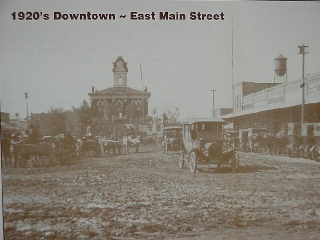 1920s Downtown - East Main Street